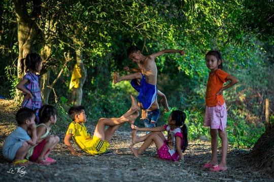 Chuyện lũ trẻ xóm Dừa… - Ảnh 1.