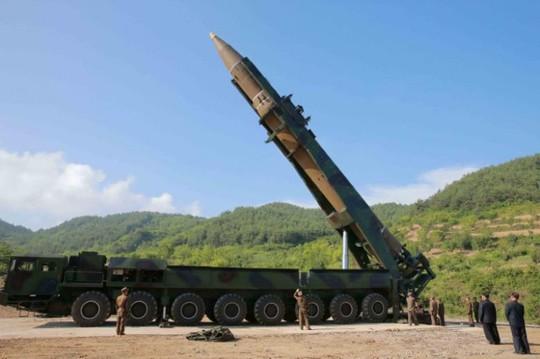 Mỹ chưa thể tự bảo vệ khỏi tên lửa Triều Tiên? - Ảnh 1.