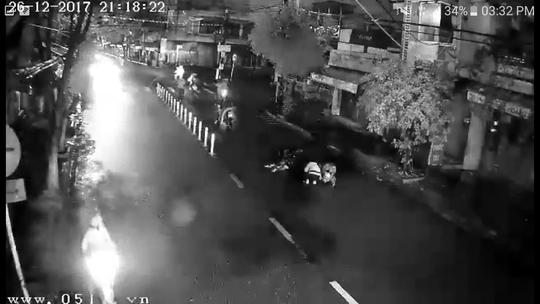 Xác minh được nhóm đối tượng chém 2 thanh niên giữa đường phố Đà Nẵng - Ảnh 2.