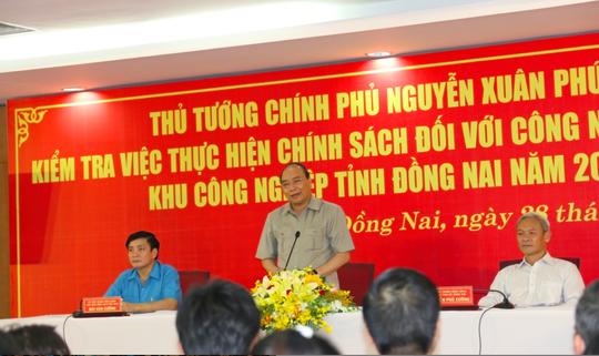 Hình ảnh xúc động của Thủ tướng với công nhân Đồng Nai - Ảnh 9.