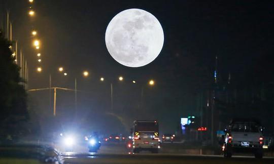 Tai nạn chết người vào những đêm trăng tròn - Ảnh 1.
