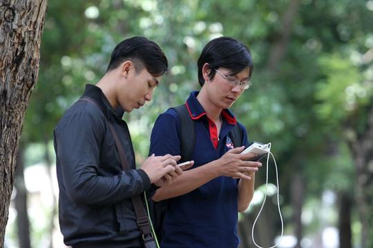 Nghi smartphone Trung Quốc có đường lưỡi bò bán tại Việt Nam - Ảnh 1.