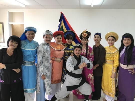 NSƯT Minh Vương, Bích Thủy đắt sô đờn ca tài tử học đường - Ảnh 5.