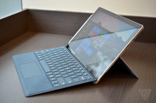 Microsoft tung Surface Pro mới giá 799 USD - Ảnh 1.