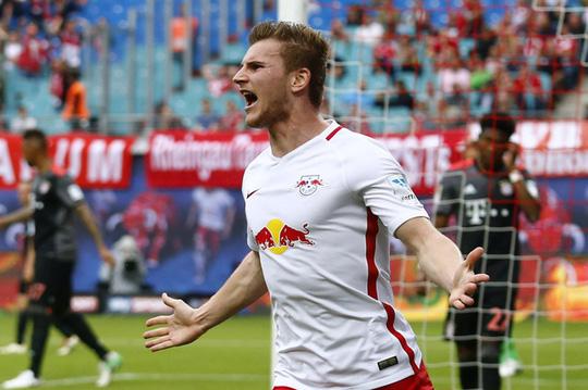Ghi 3 bàn trong 10 phút, Bayern ngược dòng khó tin - Ảnh 2.