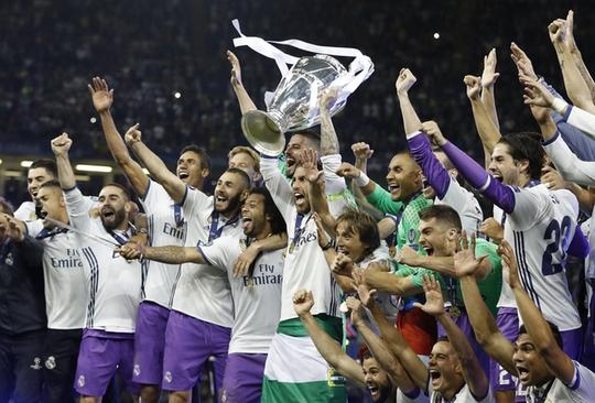 Chùm ảnh Real Madrid mừng chức vô địch châu Âu lần thứ 12 - Ảnh 3.