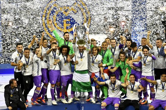 Chùm ảnh Real Madrid mừng chức vô địch châu Âu lần thứ 12 - Ảnh 2.