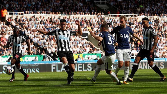 Mất người, thầy trò Benitez thua đau Tottenham ngay trên sân nhà - Ảnh 10.