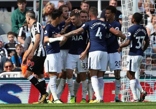 Mất người, thầy trò Benitez thua đau Tottenham ngay trên sân nhà - Ảnh 11.