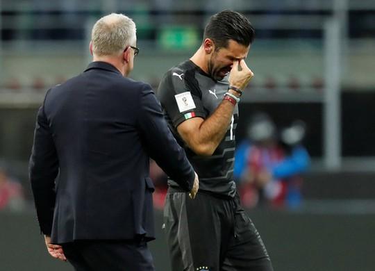 Ý bị loại: Ventura xin lỗi, Buffon khóc ngất - Ảnh 3.