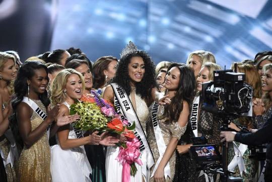 Cận cảnh nhan sắc tân Hoa hậu Mỹ - Ảnh 1.