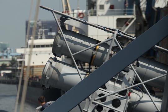 Cũng như Mistral, trên tàu Courbet có đầy đủ trang thiết bị khí tài, hỗ trợ đào tạo tác chiến thực tế cho các sĩ quan, học viên trong tất cả các lĩnh vực chuyên ngành. Ảnh: Hoàng Triều