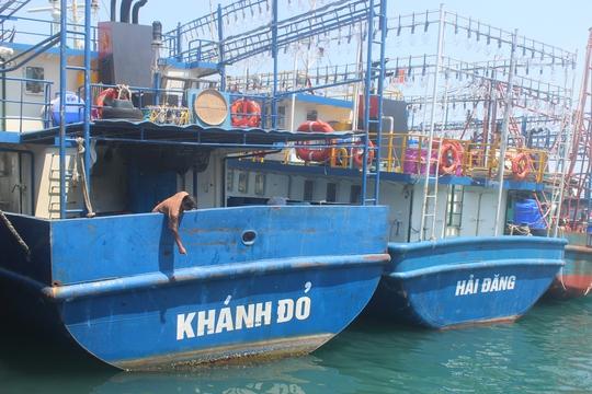 Con trai chủ tàu vỏ thép bị dọa giết khi xem đóng tàu - Ảnh 2.