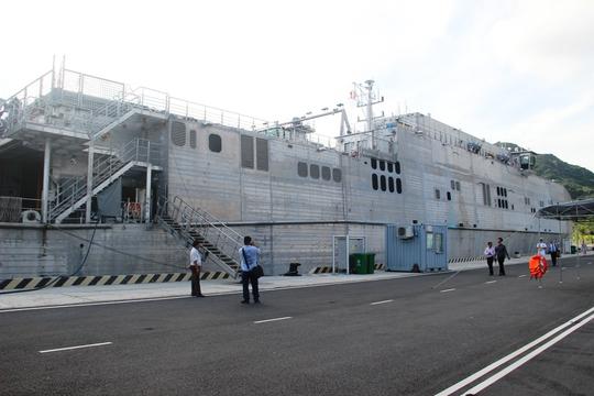 Cận cảnh tàu hải quân Nhật, Mỹ thăm Cam Ranh - Ảnh 11.