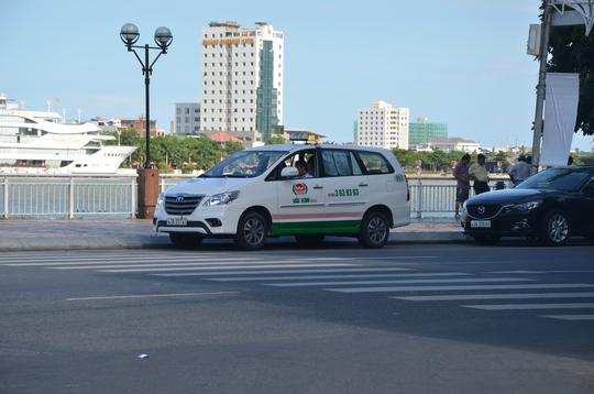 Sa thải tài xế taxi chém khách Hàn Quốc 700.000 đồng - Ảnh 1.