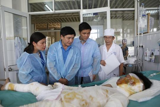 Chủ tịch Tổng LĐLĐ chia buồn gia đình nạn nhân vụ cháy tại Hà Nội - Ảnh 2.