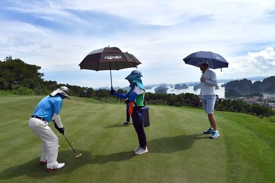 Giải HANOI NOTARY GOLF 2017 chính thức khởi tranh tại FLC Halong Golf Club - Ảnh 4.