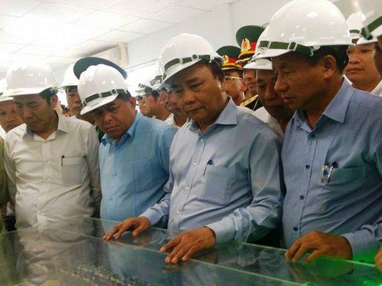 Thủ tướng Nguyễn Xuân Phú thị sát tại Formosa - Ảnh 1.