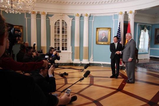 Tổng thống Donald Trump nhận lời thăm Việt Nam