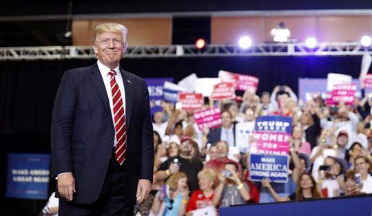 Ông Donald Trump dọa đóng cửa chính phủ Mỹ - Ảnh 1.