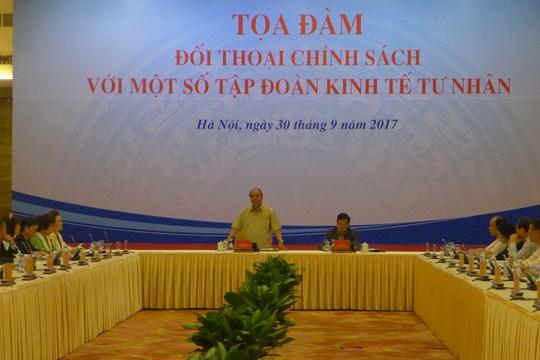 Thủ tướng lắng nghe góp ý của 14 tập đoàn tư nhân - Ảnh 1.