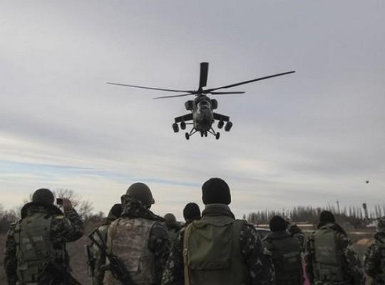 Ukraine bắt 2 lính Nga đi lạc - Ảnh 1.