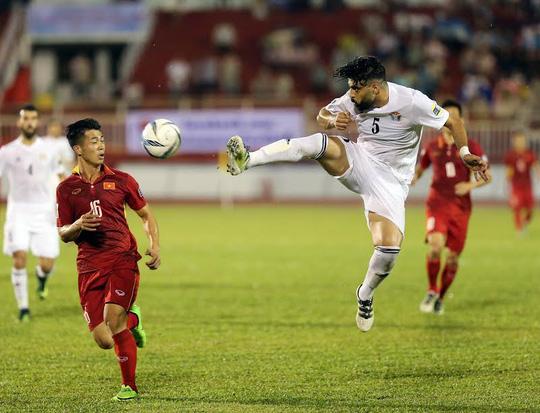 Việt Nam - Jordan 0-0: Đặng Văn Lâm cứu chủ nhà thoát thua - Ảnh 12.