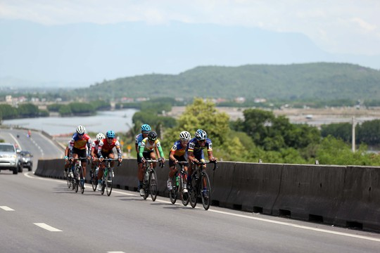 Morales nhất chặng 11 Giải xe đạp VTV - Ảnh 5.