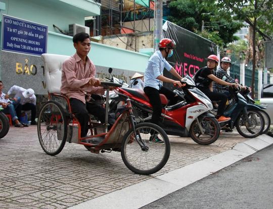 Giúp người khuyết tật tiếp cận dễ dàng hơn - Ảnh 1.