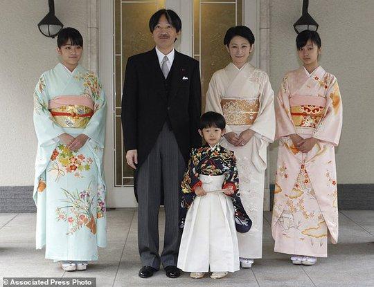 Công chúa Nhật Bản từ bỏ địa vị, lấy chồng thường dân - Ảnh 4.