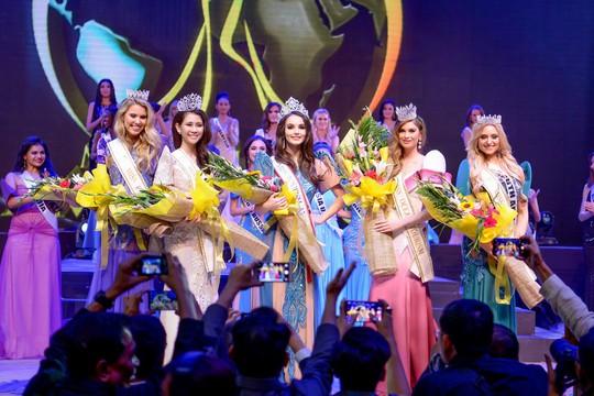 Người đẹp Việt Nam đoạt giải cao tại Hoa hậu Đại sứ Du lịch Thế giới 2017 - Ảnh 4.