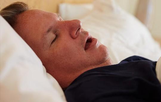 5 lý do khiến quý ông yếu trên giường - Ảnh 3.