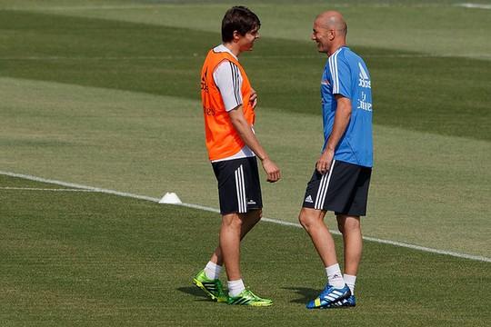 Kaka: Zidane làm HLV thành công là bất ngờ lớn - Ảnh 3.