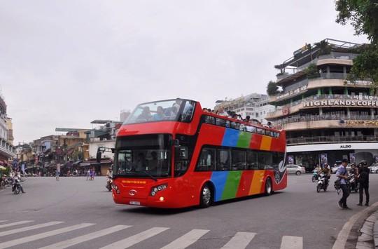 Kịch bản xe buýt 2 tầng đón U23 Việt Nam diễu hành - Ảnh 1.