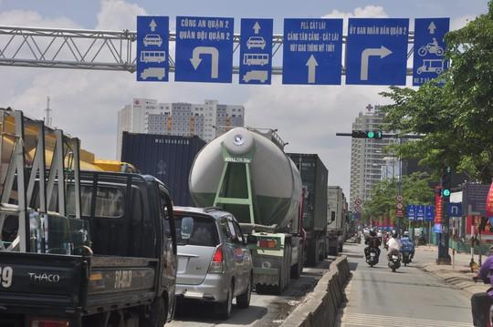 Từ cuối tháng 1, cấm xe qua hầm Thủ Thiêm giờ khuya - Ảnh 2.