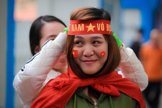 Sản phẩm cổ vũ đội tuyển U23 Việt Nam hút hàng chưa từng thấy - Ảnh 3.