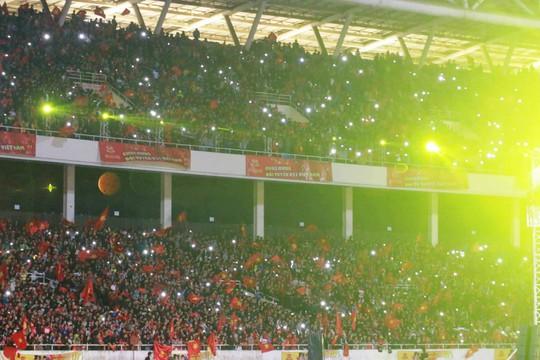 Tuyển thủ U23 Việt Nam cất cao lời ca chiến thắng tặng người hâm mộ - Ảnh 9.