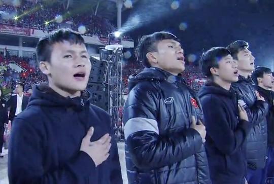 Tuyển thủ U23 Việt Nam cất cao lời ca chiến thắng tặng người hâm mộ - Ảnh 14.