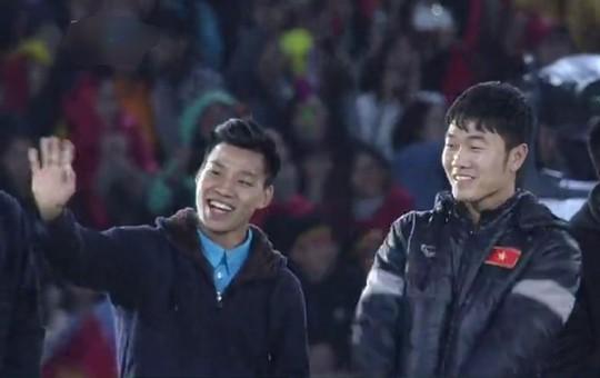 Tuyển thủ U23 Việt Nam cất cao lời ca chiến thắng tặng người hâm mộ - Ảnh 15.