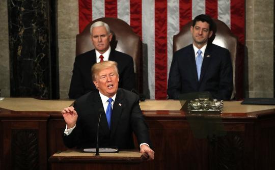 Tổng thống Mỹ kêu gọi đoàn kết nhưng không nhượng bộ - Ảnh 1.