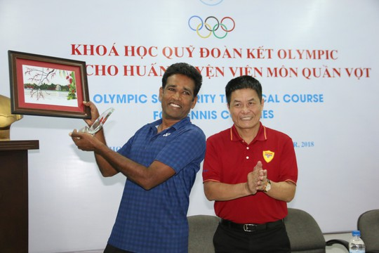 Giảng viên nước ngoài ấn tượng với HLV quần vợt Việt Nam - Ảnh 5.
