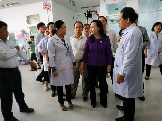 Bộ trưởng Bộ Y tế nhắc bài học cay đắng khi đến BV Nhi Đồng 2 - Ảnh 2.