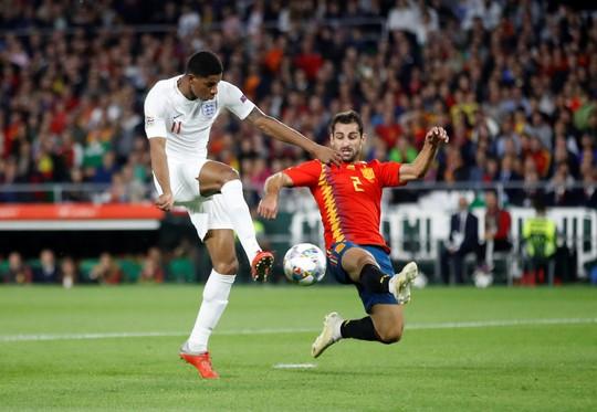 Ngược dòng bất thành, Tây Ban Nha thua sốc Tam sư Anh - Ảnh 4.