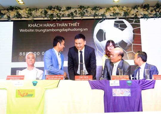 Ông chủ Triệu Quang Hà nói lý do ưu ái HLV Nguyễn Hồng Sơn - Ảnh 5.
