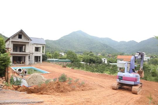 Chủ tịch Hà Nội: Cưỡng chế các công trình vi phạm ở Sóc Sơn, bất kể của ai - Ảnh 1.