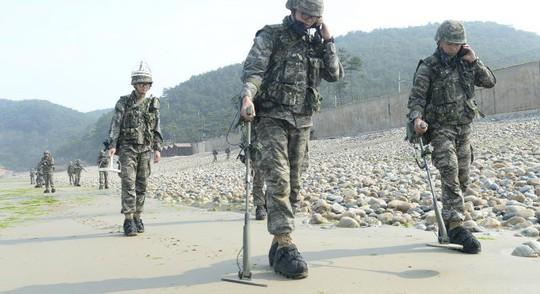 Vừa gỡ mìn với Hàn Quốc, Triều Tiên vừa lên giọng với Mỹ - Ảnh 2.