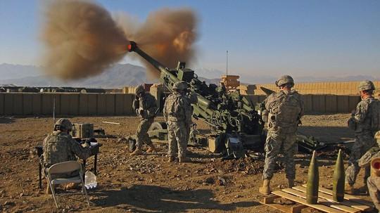 Lo ngại Nga, Mỹ nâng gấp đôi tầm bắn của pháo - Ảnh 1.
