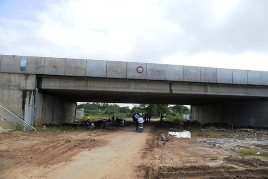 Sửa chữa 2 cầu bị thấm nước mưa trên đường cao tốc Đà Nẵng – Quảng Ngãi - Ảnh 1.