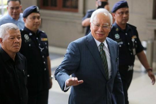 Cựu thủ tướng Najib Razak bị buộc thêm tội - Ảnh 1.