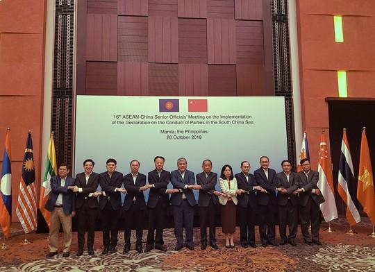 ASEAN - Trung Quốc họp về biển Đông - Ảnh 1.